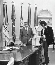 Elvis Presley Meets President Rich Nixon at the White House  December 21, 1970, Elvis Presley paid a visit to President Richard M. Nixon at the White House in Washington, D.C.