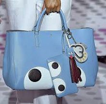 See all the Collection photos from Anya Hindmarch Spring/Summer 2015 Ready-To-Wear now on British Vogue Coach Handbags, Coach Bags, Night Club Outfits, Coach Outlet, Smart Women, Anya Hindmarch, Day Bag, Spring Summer 2015, Diaper Bag