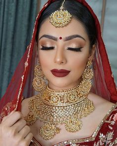 😍😍😍😍 This is so lush 😍🔴✨ Hair and makeup by @blueroseartistry Photo by @gaganshooter Jewellery @free_rani Outfit by @zardozi_couture…