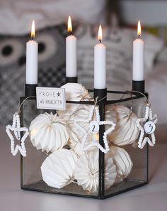 Advent, Advent ein Lichtlein brennt... Adventskranz