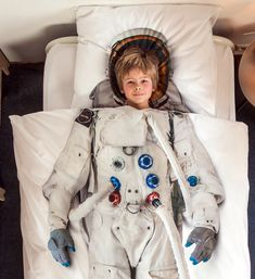 Astronaut Duvet Cover and Pillow Case Set - Gifteee - Unique Gift Ideas for Adults & Kids of all ages. The Best Birthday Gifts & Christmas Gifts. Linen Bedding, Bedding Sets, Bed Linens, Astronaut Suit, Single Quilt, Costume Shop, Quilt Cover Sets, Blanket Cover, Handmade Home Decor