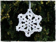 Crochet snowflakes Christmas ornaments White crocheted snowflake Christmas home decor Christmas ornaments Lacy Snowflake