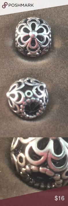 Pandora Daisy Spacer Authentic and in great condition. Please use my bundle discount on two or more items! Pandora Jewelry Bracelets