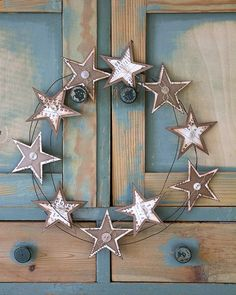 Christmas Wishes, Christmas Crafts, Xmas, Compass Rose, Metal Tins, Snowflakes, Projects To Try, Clock, Home Decor