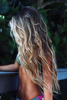 make-up beach waves printed bikini blonde hair wavy hair beach hair long hair make-up beach waves printed bikini blonde hair wavy hair beach hair long hair – Farbige Haare Hair Day, New Hair, Your Hair, Surfer Girls, Surfer Girl Hair, Surfer Girl Fashion, Surfer Outfit, Surfer Girl Style, Curly Hair Styles
