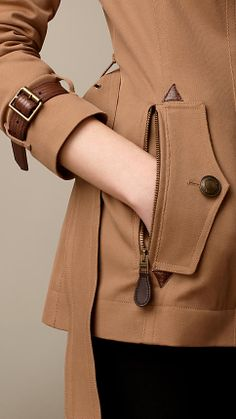 Short Lizard Detail Trench Coat | Burberry