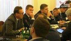 Proszę nie kontrolować moich ludzi, bo są sfrustrowani i mam zerowe nabory - stwierdził dziś Jacek Krupa, marszałek województwa małopolskiego nawiązując do sprawy kontroli Centralnego Biura An
