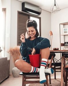 Model Poses Photography, Photography Ideas At Home, Dreamy Photography, Socks Outfit, Instagram Pose, Iphone Instagram, Instagram Ideas, Best Photo Poses, Insta Photo Ideas