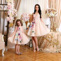 Mother Daughter Dress Ivory Floral Tulle Dress by HIRAetMIRA. Love the simple print Mother Daughter Matching Outfits, Mother Daughter Fashion, Mommy And Me Outfits, Mom Daughter, Daughters, Baby Pageant, Mother Daughter Photography, Dress Anak, Mode Hijab