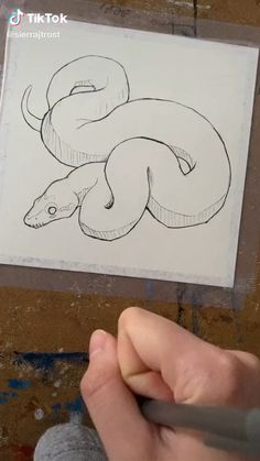 Canvas Painting Tutorials, Diy Canvas Art, Art Drawings Sketches Simple, Cool Drawings, Arte Hippy, Snake Sketch, Snake Art, Art Sketchbook, Art Tutorials