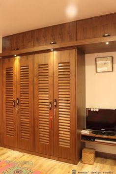 Hulsta wardrobes classy wardrobes for modern life http - Bedroom cabinets with sliding doors ...