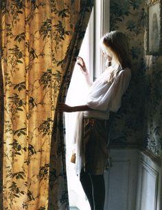 bienenkiste:    Elsa Sylvan by Lina Scheynius