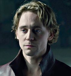 Tom Hiddleston as Prince Hal/King Henry V in Hollow Crown is the best thing to ever happen to Shakespeare