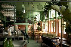10 bars et restaurants tropicaux autour du monde Bar Botanique, Amsterdam Eerste Van Swindenstraat 581, 1093 LC, www.barbotanique.nl