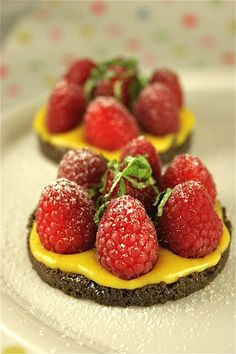 The Passionate Cook: easy-peasy raspberry tarts with passion fruit curdhttp://thepassionatecook.typepad.com/thepassionatecook/2012/07/easy-peasy-raspberry-tarts-with-passion-fruit-curd.html#