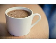 Hot chocolate 1 scoop chocolate protein powder 8 oz hot almond milk 1 tsp vanilla extract Add protein powder to hot Almond Milk. Stil in vanilla extract and sweetner of choice. Sprinkle with Cinnamon Protein Smoothies, Protein Snacks, Whey Protein, High Protein, Protein Coffee, Protein Powder Coffee, Protein Oatmeal, Protein Pudding, Healthy Sweets