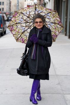 Let me have the guts to rock style like this at 80.  Loving it.