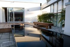 Welcoming Roof Garden in Bermondsey by Andy Sturgeon LGD