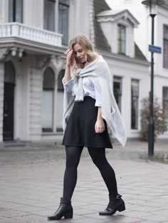 A different way to wear the knitted cardigan   Style by Jules