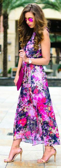 Floral Fever Maxi Dress - Maggy London floral dress c/o | Steve Madden sandals | GiGi New York uber clutch | Wristology Olivia watch c/o | Ray-Ban pink aviators