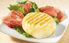 Ricette prelibate: formaggi grigliati INGREDIENTI:  fette di pancarré 12 - piccoli formaggi francesi di capra 8 - olio extravergine - PREPARAZIONE:  1 - STEP:   Per la ricetta dei formaggi impanati, passate al mixer le fette di  #ricette #cucina #formaggi