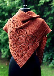 Ravelry: Tendrilly-Muster von Dee O Keefe - Stola Stricken Lace Knitting, Knitting Stitches, Knitting Patterns, Crochet Patterns, Knitting Tutorials, Knitting Machine, Knitted Shawls, Crochet Shawl, Knit Crochet