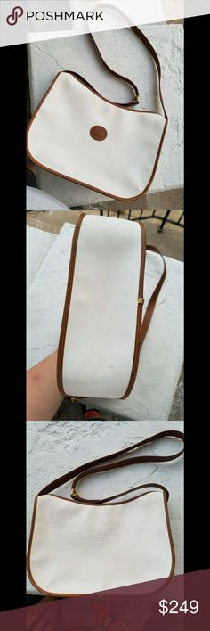 👑Authentic Vintage Gucci Shoulder Bag👑 Authentic Vintage Gucci Outside is in Great & Solid Condition❤ Minor Marks shown, *NOTE* inside is Sticky 🎉🎉 Strap is solid no fading it's gorgeous😊  Free Jewelry Gift with purchase😊 Gucci Bags Shoulder Bags