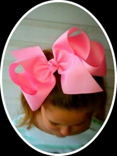 Items similar to Extra Large hair bow, large hair bows, large hair bow CHOOSE THE COLOR 1 Boutique hair bow Southern Hair Bows Grosgrain ribbon on Etsy How To Make Hair, How To Make Bows, Hair Bow Tutorial, Flower Tutorial, Large Hair Bows, Jojo Bows, Ribbon Hair, Ribbon Flower, Bow Accessories