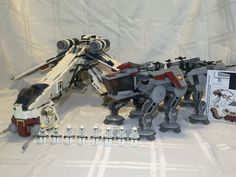 Lego Star Wars Clone Wars Dropship with at OT 10195 100 Complete RARE Retired 673419121835 | eBay Star Wars Klone, Lego Star Wars, Lego Ww2, Lego Sculptures, Battle Ships, Lego Spaceship, Figure Poses, Lego Instructions, Lego Technic
