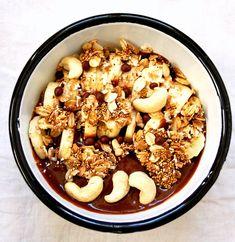 Granola à l'amarante soufflée Granola, Acai Bowl, Cereal, Snacks, Vegan, Breakfast, Food, Drizzle Cake, Morning Breakfast