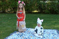 25 baby and toddler Halloween costumes for siblings. What a cute roundup of ideas! Great for brothers and sisters! 25 baby and toddler Halloween costumes for siblings. What a cute roundup of ideas! Great for brothers and sisters! Brother Sister Halloween, Halloween Costumes For Sisters, Matching Halloween Costumes, Halloween Costumes For Girls, Family Halloween, Diy Halloween, Baby Costumes, Halloween 2020, Halloween Tricks