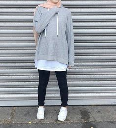 Enjoy the stylish hoodies collection and pick your favorite style. Hijab Casual, Hijab Chic, Hijab Fashion Casual, Ootd Hijab, Islamic Fashion, Muslim Fashion, Trendy Fashion, Modest Fashion, Fashion Outfits