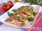 Семга, запеченная с помидорами и сыром