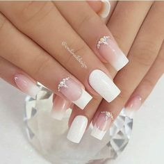 French with studs Gold Glitter Nails, Cute Acrylic Nails, Cute Nails, Pretty Nails, Romantic Nails, Elegant Nails, Stylish Nails, French Manicure Nails, French Tip Nails