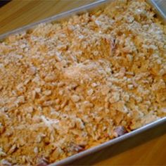 Hashbrown Casserole - Tried it really enjoyed it but next time cups - 2 cups of cornflakes, 8 ounces of sharp cheese and cup of butter to the cornflakes for a more golden crispy crunch - cook for 55 minutes Hashbrown Casserole Recipe, Hash Brown Casserole, Casserole Dishes, Casserole Recipes, Easy Eat, Potato Recipes, Potato Dishes, Pork Recipes, Places
