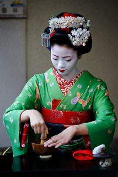 I love studying the geisha culture! I'm not an owner of most photos.