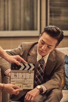 """[Soompi] Director Of """"Muhan Company"""" Highly Praises G-Dragon On His Acting --- http://www.soompi.com/2016/09/03/director-muhan-company-highly-praises-g-dragon-acting/"""