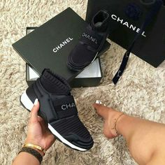 Secrets Of Sneaker Shopping. It's no surprise that a great deal of males and females simply choose to use sneakers. Shoe Boots, Shoes Sandals, Shoes Sneakers, Chanel Sneakers, Sneaker Heels, Chanel Shoes, Cute Shoes, Me Too Shoes, Zapatillas Louis Vuitton