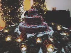 Ladies and gentlemen,  The Wedding Cake 😍 #destinationwedding #destinationweddingplanner #elenarenzi #myjob #mypassion #elegance #refinement #atmosphere #bride #groom #beautifulcouple #wonderfulday #weddingday #luxury #luxuryevent #luxurywedding #luxuryvilla #luxuryvenue #villadelgrumello #lakecomo #italy #topdestinationsinitaly #flowers #rose #christmas #weddingcake