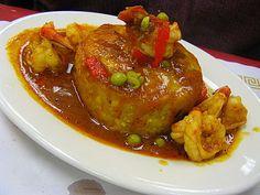Mofongo con camarones a la criolla. gastronomía puertoriqueña