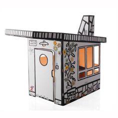 Villa Julia - Magis Me Too by Spanish designer Javier Mariscal. Het kartonnen speelhuis is ideaal voor de kinderen. Met stickers om het huis op te vrolijken.