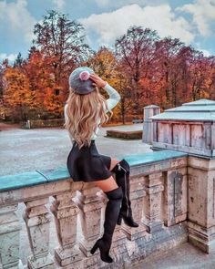 Most Popular Autumn Photography Girl Fairytale Autumn Photography, Girl Photography, Street Photography, Photography Ideas, Travel Photography, Aesthetic Women, Autumn Aesthetic, Poses Photo, Picture Poses