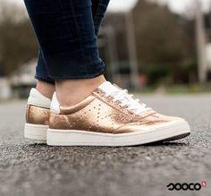 Het is bijna weekend, dus het is tijd om te shinen✨ https://www.sooco.nl/tamaris-23692-gouden-lage-sneakers-30095.html