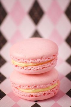 Should give our macaron adventure another try! Easiest macaron recipe I could find. No waiting 48 hours for magical egg whites or wacky flour tricks. Plus the tips are from a baker who makes macarons daily. Baking Recipes, Cookie Recipes, Dessert Recipes, Recipes Dinner, Pasta Recipes, Crockpot Recipes, Soup Recipes, Breakfast Recipes, Chicken Recipes