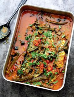 A Malaysian fish curry recipe from Rick Stein's Far Eastern Odyssey. Showcasing mackerel, alongside a mix of okra, aubergine, tomatoes and coriander leaves. Okra Recipes, Shellfish Recipes, Curry Recipes, Seafood Recipes, Asian Recipes, Healthy Recipes, Asian Desserts, Delicious Recipes, Bread Recipes