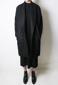 Simple in Black