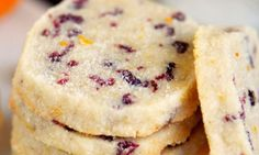 Add these easy Cranberry Orange Shortbread Cookies to your holiday baking list this season! Plus, three secrets to irresistible shortbread cookies! Easy To Make Cookies, Easy Cookie Recipes, Dessert Recipes, Shortbread Biscuits, Biscuit Cookies, Bar Cookies, Cranberry Recipes, Holiday Recipes, Cranberry Cheesecake