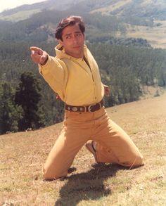 Retro Bollywood : Photo Salim Khan, Salman Khan Wallpapers, Salman Khan Photo, National Film Awards, Movie Teaser, Stylish Girls Photos, Vintage Bollywood, Madhuri Dixit, Handsome Actors