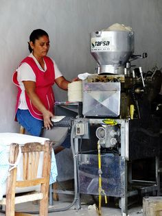 Automated tortillas . Mexico