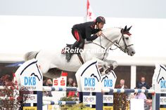 Emanuele Gaudiano u. Casper siegen in der DKB-Riders Tour bei Horses and Dreams - Bericht unter reiterzeit.de #reiterzeit #reiten #reitsport #springreiten #showjumping